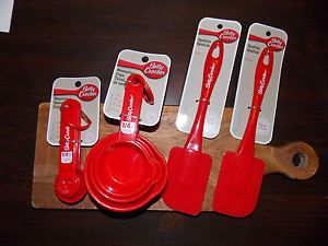 10 PC Betty Crocker Kitchen Baking Cooking Utensils Set Cups Spoons 2 Spatulas