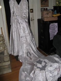 Vintage 80s Princess Diana Wedding Dress Gown 5 Foot Long Train Silverleaf Small