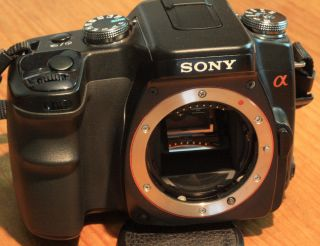Sony A100 Digital 10 2 Megapixel Camera Body w Battery Strap for Parts Repair