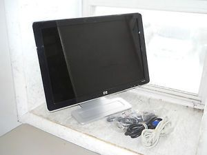 "20"" Widescreen HP W2007 RK284AA Flat Panel LCD Monitor w Cables"