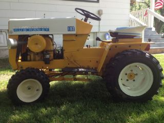 IH Cub Cadet 102 Narrow Frame Lawn and Garden Tractor