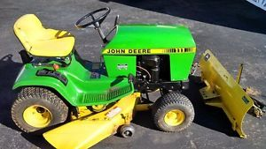 John Deere 111 Lawn Tractor Riding Mower with Snowplow