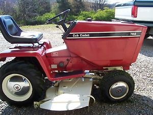 Vintage Red Cub Cadet 782 Lawn Tractor Mower