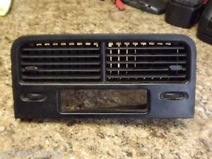 88 91 Honda CRX Hatchback SH2 Center Dash Outlet Air Vent Clock Trim Black
