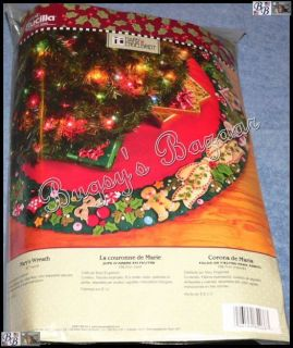 Bucilla Mary's Wreath Tree Skirt Felt Applique Christmas Kit Engelbreit