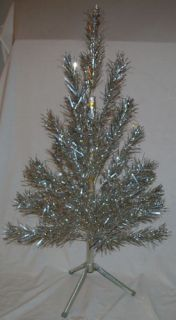 Vintage Retro 4 ft Evergleam Aluminum Christmas Tree 4 ' 40 BR