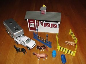 Breyer Horse Stable Barn Play Set w Horses Horse Trailer Picktruck Fense