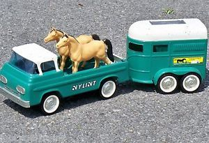 1960's Nylint Thoroughbred Farms Horse Trailer Pickup Truck Set w Horses 20""