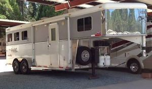2008 Circle J Three Horse Trailer with Living Quarters