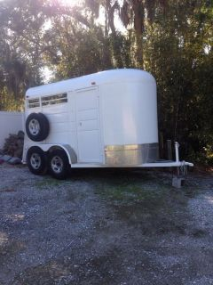 2006 Horse Trailer 2 Horse Slant Bumper Pull with Seperate Tack Area