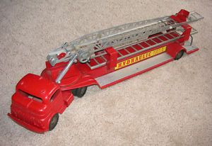 Vintage Structo Hydraulic Hook Ladder Fire Truck c1950'S