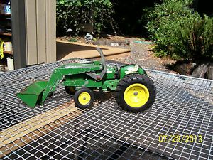 Ertl John Deere Tractor with Front End Loader for Parts or Restore