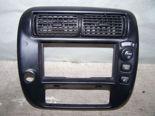 1999 2000 Ford Explorer XLT Radio Bezel with Rear Wiper Switch 2 A C Vents