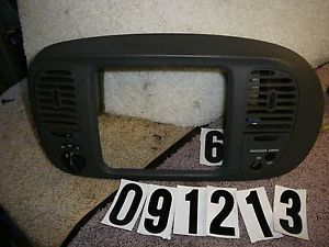 98 Ford Expedition Radio