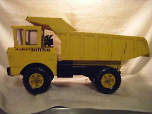 RARE Vintage 1965 Mighty Tonka Dump Truck No 2900 Pressed Steel Toy Truck 1960'S