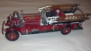 Vintage Roaring 20's Ahrens Fox Fire Truck Engine 1 24 Die Cast Car Model Toy