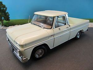 Sun Star Diecast 1965 Chevy Chevrolet C10 Fleetside Pickup Truck No Box 1 18