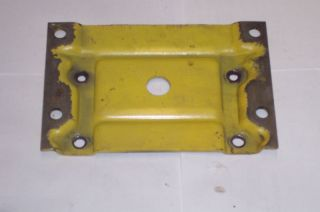 John Deere 726 826 Snowblower Engine Mount Plate M45775