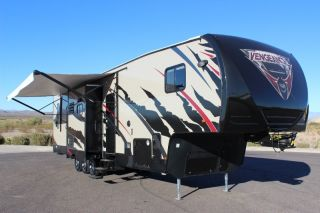 Triple Slide 5th Wheel Toy Hauler 14ft Garage AZ
