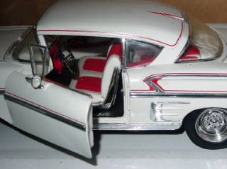 Ertl 1958 Chevy Chevrolet Impala 1 18 Scale White Die Cast Car Loose