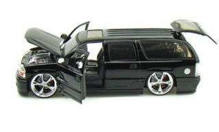 2002 Cadillac Escalade Dub City Diecast 1 24 Scale Black