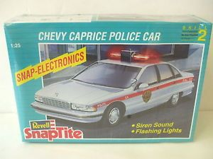 Chevy Caprice Police Car Revell SnapTite 1 25 Scale Model Car Kit MISB