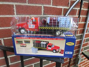 Mobil Oil Gasoline 1996 Toy Stake Bed Pick Up Truck 1 24 Scale Model Chevy GMC