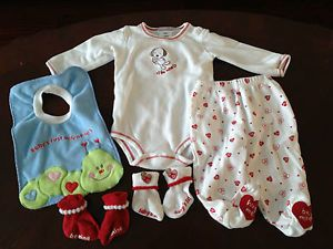 Baby Boy Girl Neutral 3 6 Month Valentine's Day Outfit Clothes Socks Bib Lot EUC