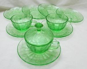 Vintage Green Depression Glass Poinsettia Pattern 7 Saucers 3 Cups 1 Lid