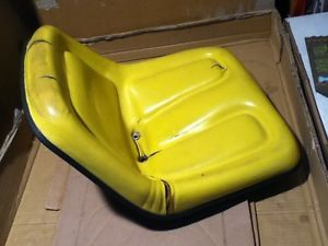 John Deere 317 Seat Pan 120 140 200 210 212 214 216 300 318 110 112 322 AM39671