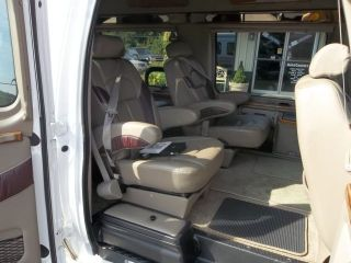2004 Ford Econoline Conversion Van E150 DVD Luxury Party Road Trip La West