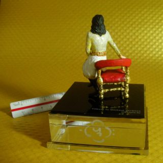 MICHAEL JACKSON Crafted mini statue Remember the time with U Michael case
