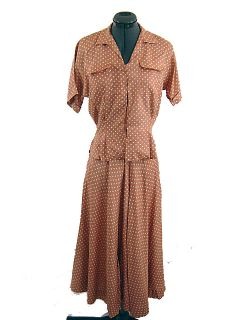 Magnificient Vintage 40s B H Wragge 2 Piece Polka Dot Dress Suit Skirt Top