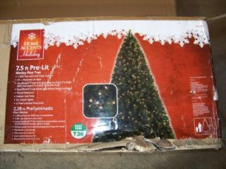 Home Accents Holiday 7 5 ft Pre Lit Wesley Pine Christmas Tree Does not Light