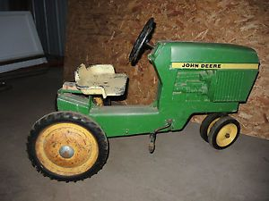 Vintage John Deere Pedal Tractor Ertl Model 520 Kids Toy Riding Farm