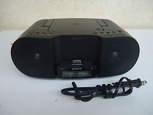 Sony ZS S3IP Portable Boombox Am FM Radio CD Player Audio in iPod iPhone Dock