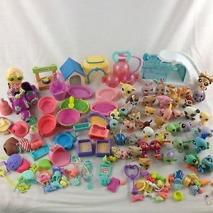 Littlest Pet Shop LPS Huge Lot Animal Accessories Food 140 Piece Blythe Scooter