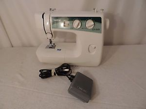 Brother LS2020 Sewing Machine w Power Cord Food Pedal Bobbin Cover 12502623885
