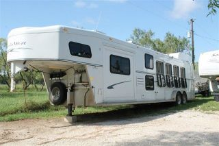 4 Horse Trailer Slant Bunk Beds Slide Out Shower Bathroom TV Mirc Fridge
