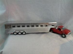 NewRay 1 32 Ford Red F350 with Gooseneck Cattle Livestock Horse Trailer Farm Toy