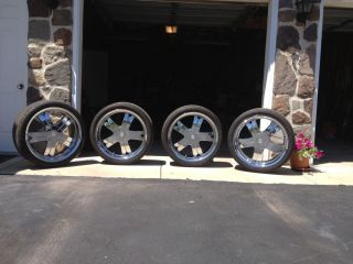 22 inch Wheels Rims and Pirelli Tires Jeep Grand Cherokee