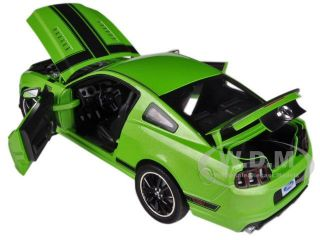 2013 Ford Mustang Boss 302 Green 1 18 by Shelby Collectibles SC453