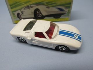 MATCHBOX 41A Ford GT White Green Base Thin 5 Spoke Wheels