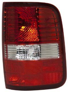 OE Replacement Ford F 150 Passenger Side Taillight Assembly (Partslink Number FO2801182) Automotive
