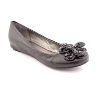 Kenneth Cole REACTION Women's Open Story Ballet Flat Shoes
