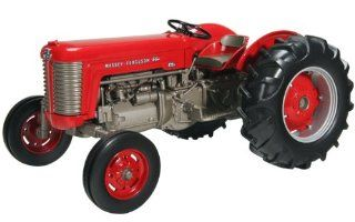 SpecCast SCT 370 Massey Ferguson Red/Gray 1/16 Scale 65 Gas Wide Front Tractor Toys & Games