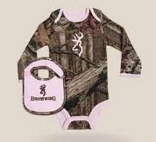 Browning BRB0006.403 Baby long sleeved Bodysuit & Bib Pink w/ camo gift set Clothing