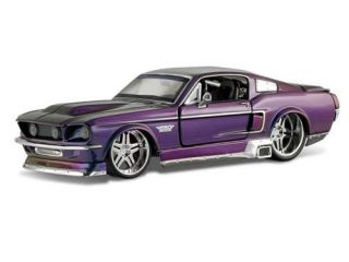 Maisto Diecast 1967 Ford Mustang GT Pro Rodz 1/24 Scale Car